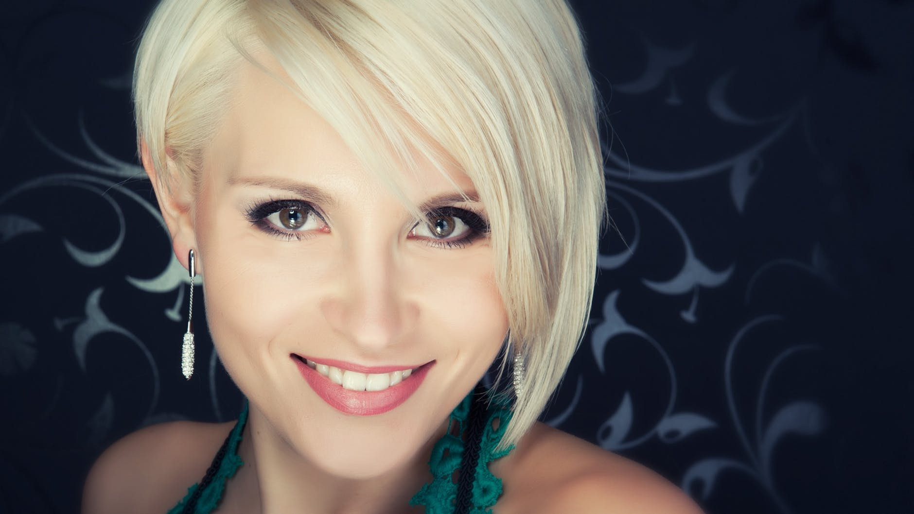 attractive beauty blond cute